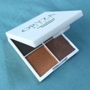 Oryza Beauty Camo Shimmer Eyeshadow palate
